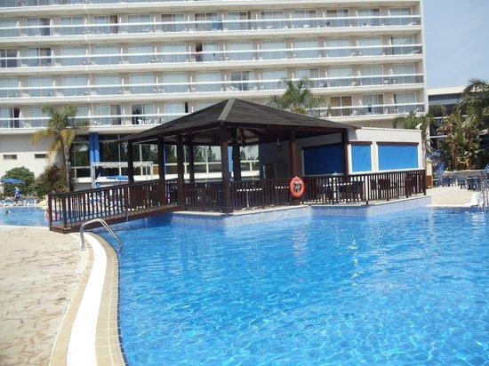 Sol Costa Daurada: la piscine