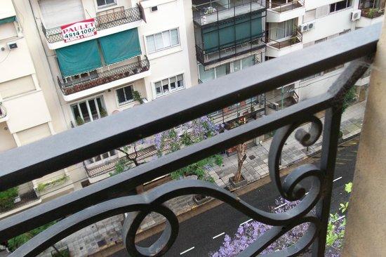 Intersur Recoleta: Lindo balcón sobre Callao.