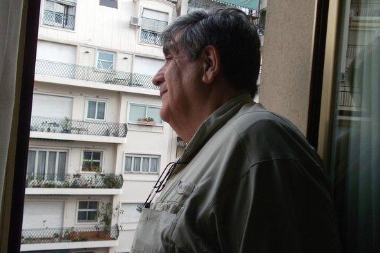 Intersur Recoleta: La comodidad de un balcón.