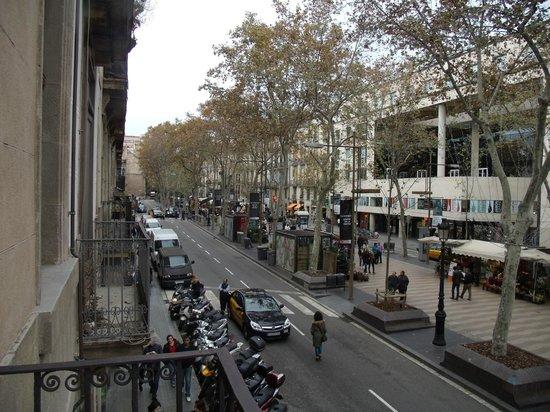 Hostal Las Flores: Balcon de la chambre donnant sur Les Ramblas