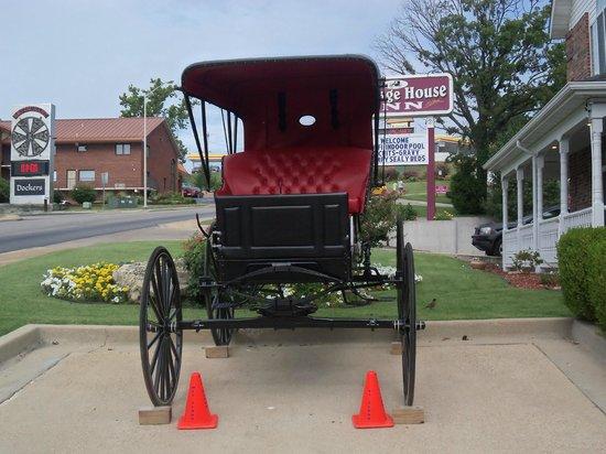Carriage House Inn: Carriage