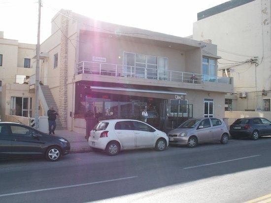 Oblico Cafe: Oblico Frontage