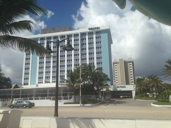 The Westin Beach Resort, Fort Lauderdale: View from the beach to the hotel