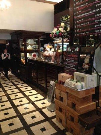 Italian Bar LA VIOLA: ラヴィオラ
