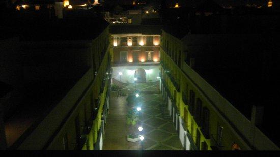 Hotel Rey Alfonso X: Vista para o pátio central!