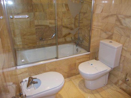 Flor Parks Hotel : bagno