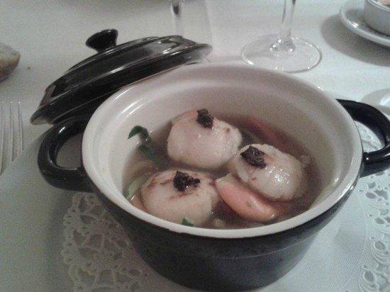 Armoric Hôtel : Cocotte de Saint-Jacques à la julienne de légumes et brisures de truffes au jus de légumes