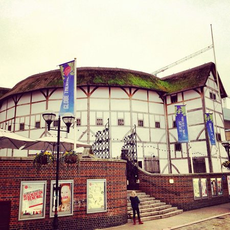 London Tours by Taxi: Shakespeare Globe