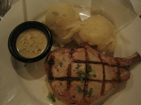 Kalaheo Steak & Ribs: Good stuffed pork chop