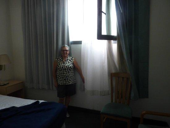 Olympia Hotel Tel Aviv - By Zvieli Hotels: la vue sur la mer avec escabeau