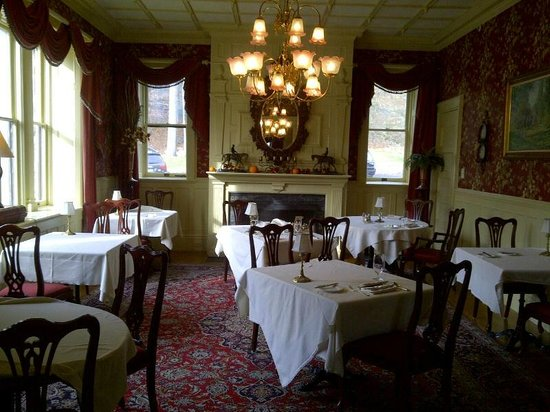 The Inn at Erlowest: Main dining room