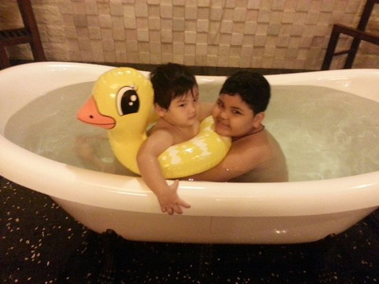 Philea Resort & Spa: swim in the room