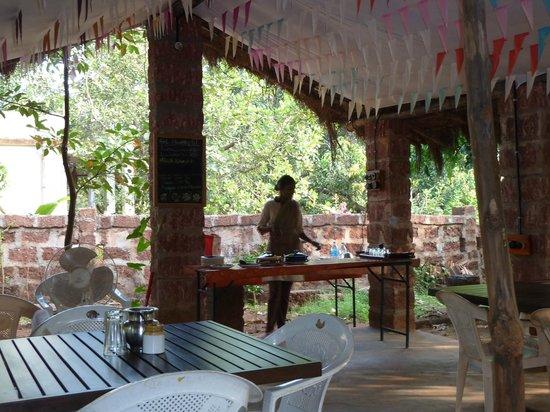 Atithi Parinay Homestay: Nice Breakfast and Dinner area