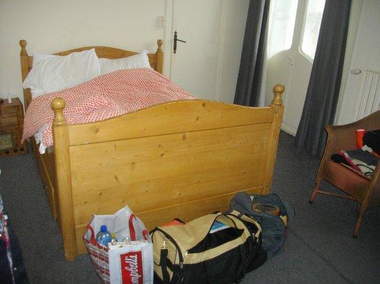 Hotel Maine: chambre 25 à éviter, pas de wifi et pas de lumière