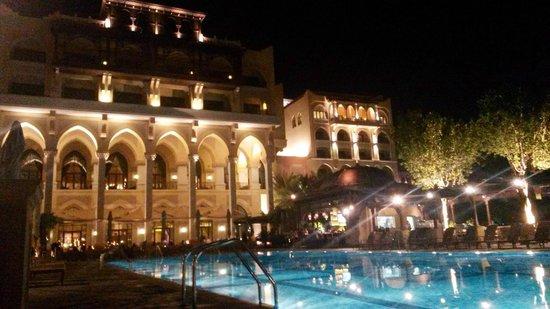 Shangri-La Hotel, Qaryat Al Beri, Abu Dhabi : Dopo cena