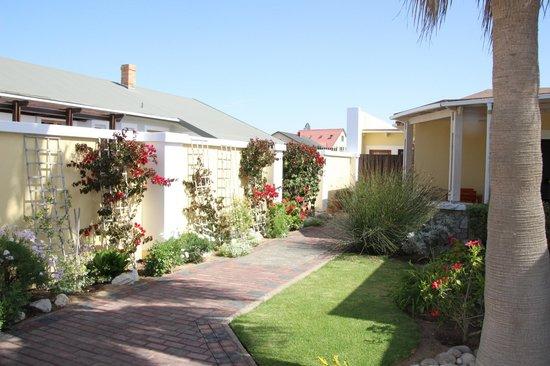 Cornerstone Guesthouse: Zuwegung zu den einzelnen Wohnungen