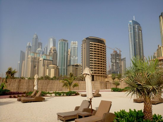 The Ritz-Carlton, Dubai: Hotel beach