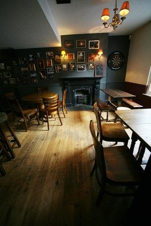 The Dorset Inn Restaurant: Cliffe Corner