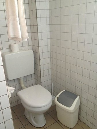 MVC Eagle Beach: toilet