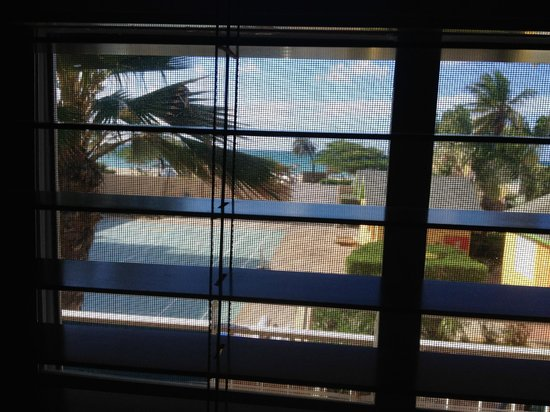 MVC Eagle Beach : view from bed