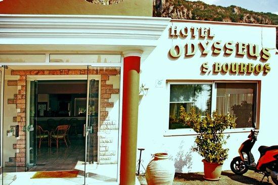 Odysseus Hotel: Вход на Reception