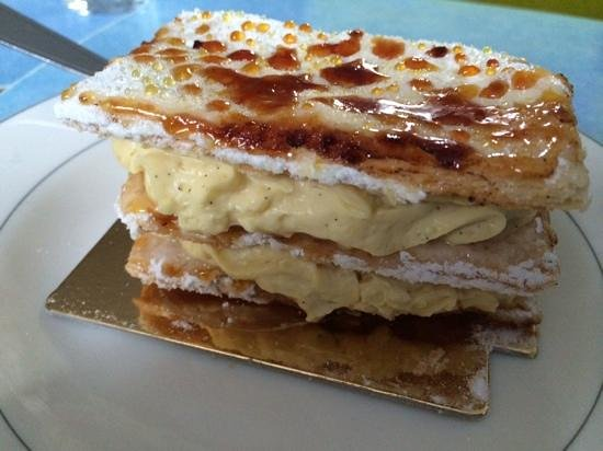 Mille feuille vanille picture of patisserie salon de the for Patisserie saint denis