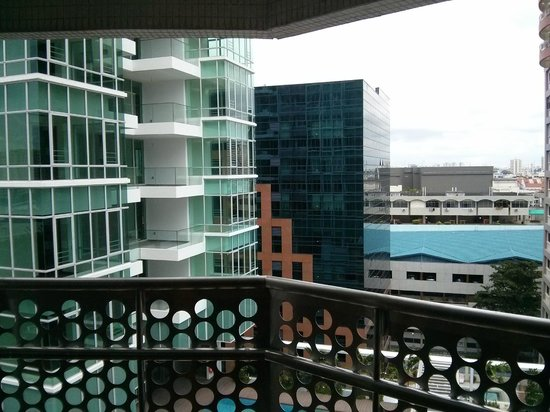 Village Hotel Katong by Far East Hospitality : You'll see condominium close by
