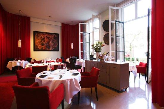 Restaurant Podium: Restaurant garden