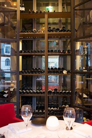 Restaurant Podium: Restaurant wine