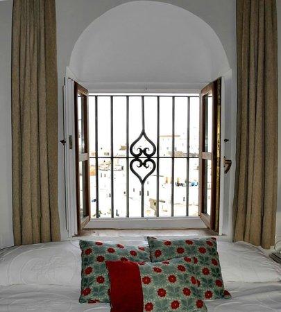 Hotel La Casa del Califa Hotel: Ventana de la habitación Suite de la Torre