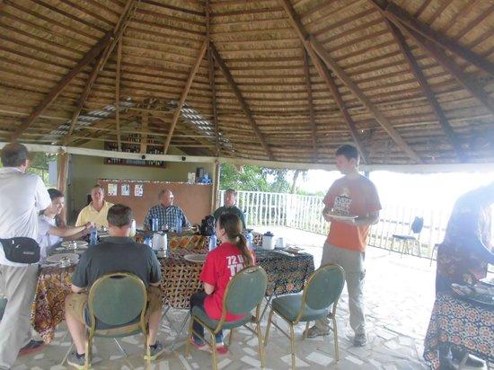 Abuesi Beach Resort: Buffet at our Over View Restaurant