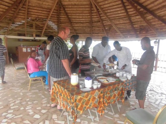 Abuesi Beach Resort : Buffet at our Over View Restaurant