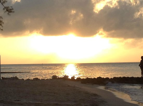 Red Sail Sports Grand Cayman : Sunset from the Rum Point beach