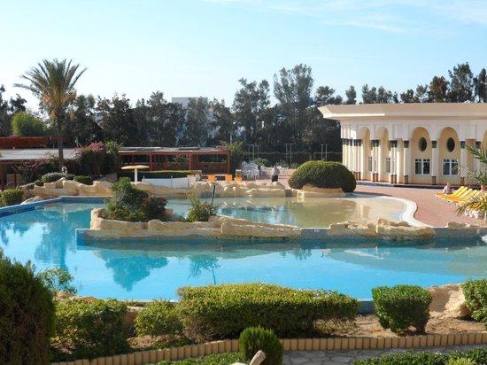 Medina Belisaire & Thalasso: pool