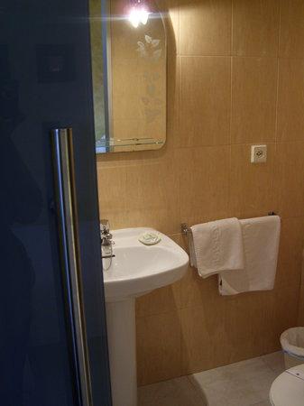 PR Tambre: baño habitación individual