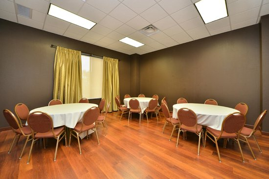 BEST WESTERN PLUS Campus Inn: Garden Room
