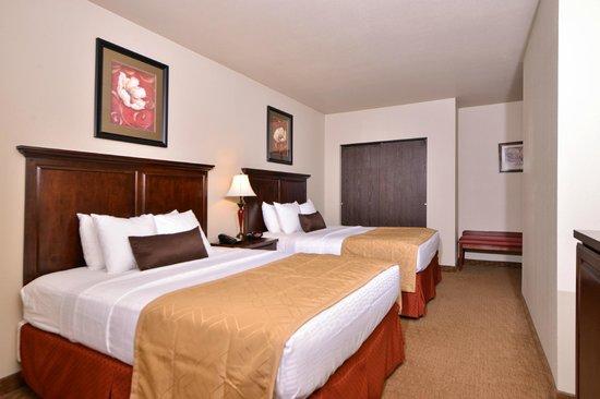 BEST WESTERN PLUS Campus Inn: Family Suite Bed room