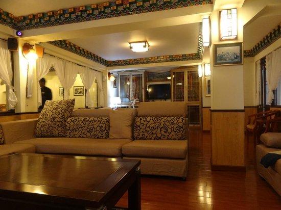 Little Tibet Resort: Lobby