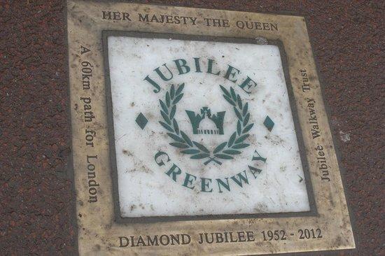 Buckingham Palace: A Jubilee Greenway Disc