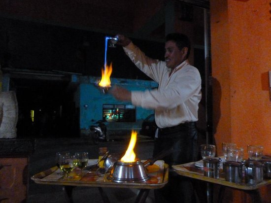 El Moro: Mayan Coffee & fire show