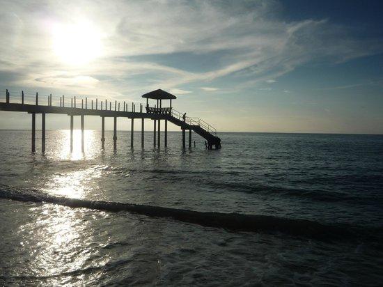 Lost Paradise Resort : The serene Teluk Kampi Beach