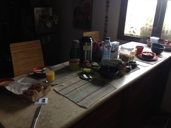 Casa Nuestra Peru B&B : Breakfast is served!