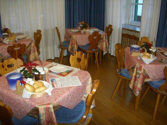 Hotel Montana: sala colazione