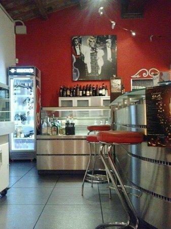 L'Arcangelo: reception-bar