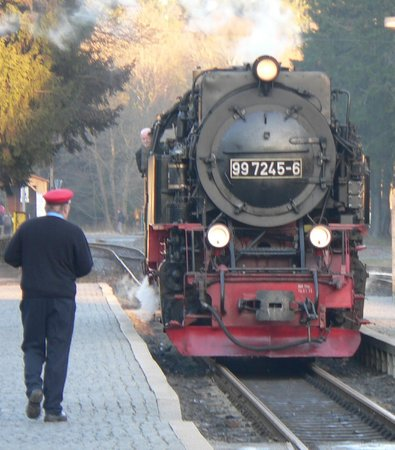 Harzer Schmalspurbahnen: 1950's loco at Drei Annen Hohne [mid point junction)