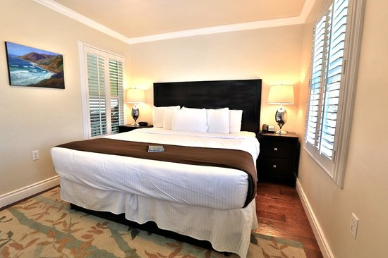 Beach Bungalow Inn and Suites: Signature Deluxe King Room