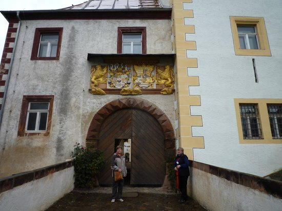 Schloss Colditz: Entrance with english speaking guide