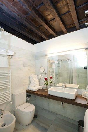 Hotel Abades La Marquesa: Baño Palacios de Don Nuño