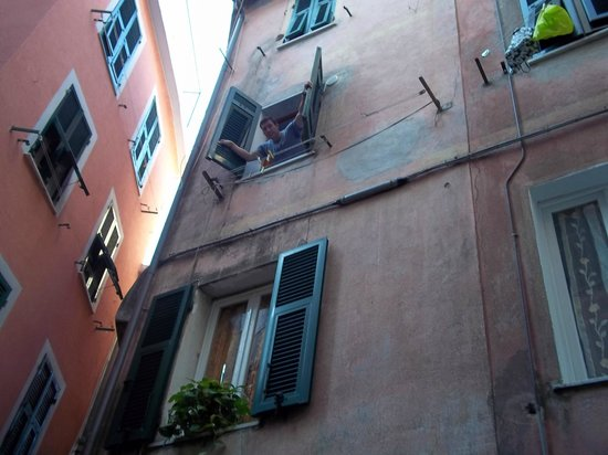Elisabetta Carro: View of our window from outisde