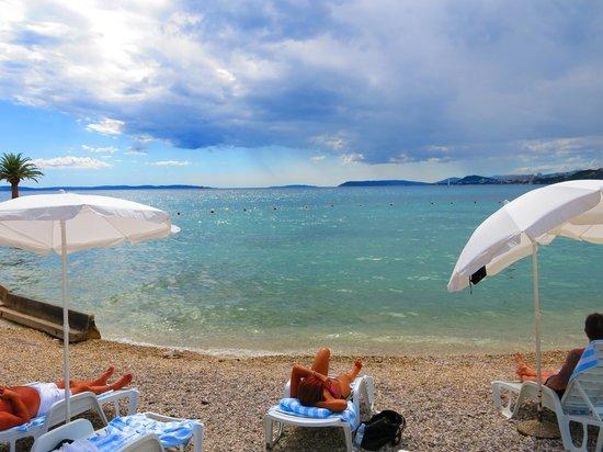 Le Meridien Lav Split: Hotel beach